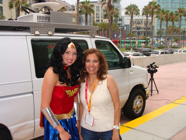 fox 5 san diego's heather ford and suzette valle at comic-con 2012