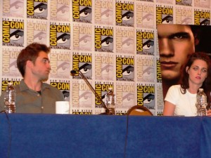 Robert Pattinson and Kristen Stewart at Comic-Con 2012. Photo S. Valle