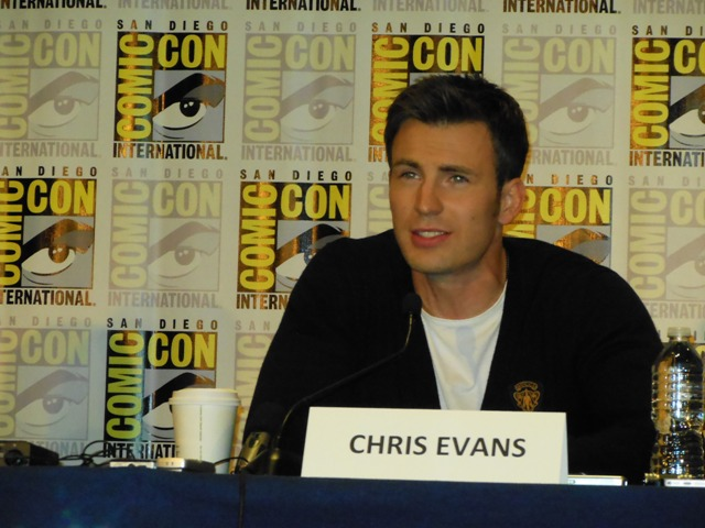 Chris Evans at Marvel Press Conference Comic-Con 2013 Photo S. Valle