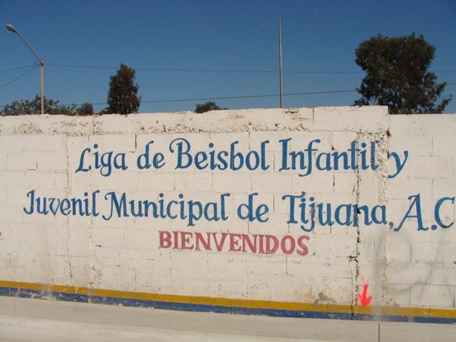 Entrada a la Liga Municipal de Tijuana. Entrance to the Tijuana Little League