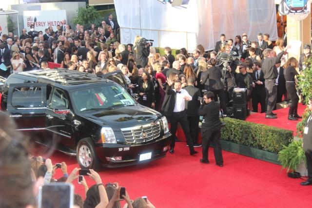 Jimmy Fallon Golden Globes Walks to Fans