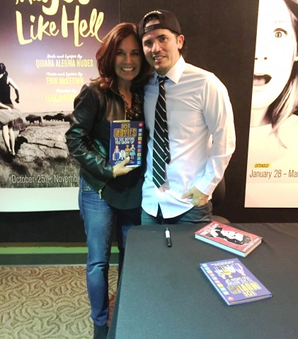 "John Leguizamo (Sid in ""Ice Age"") and author ""101 Movies"" Suzette Valle"
