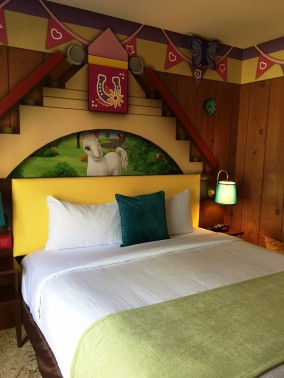 Legoland California Hotel Debuts Friends Theme Rooms