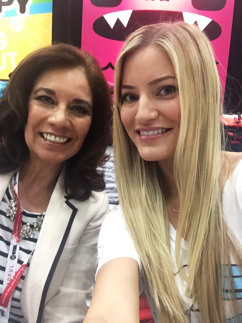 SDCC15 iJustine and Suzette Valle
