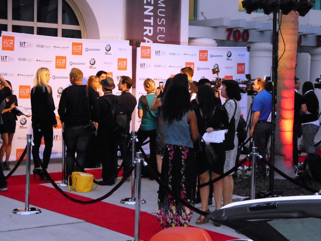 Guests arrive at the SDFF Red Carpet Filmmakers Awards ceremony at the La Jolla Museum of Contemporary Art. Photo S. Valle